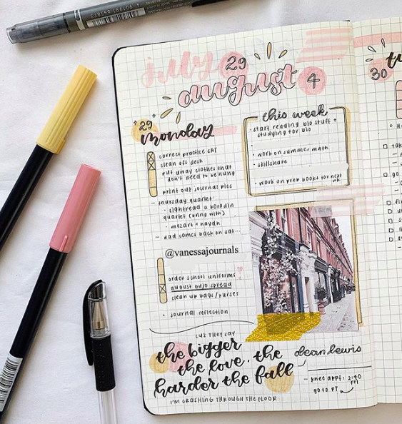 "As well as to-do lists and schedules, Vanessa's bullet journaling spreads are often decorated with aesthetic photos, doodles, and song lyrics, such as the one pictured above from ""Stay Awake"" by Dean Lewis."